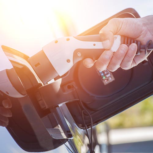einfach Aufladen im größten Ladesäulennetz mit Ihrer Shell Card von Energie Direct